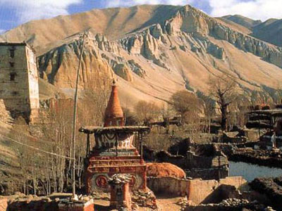 Upper Mustang Lo Manthang Trekking  » Click to zoom ->
